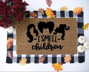 I smell children hocus pocus fall door mat