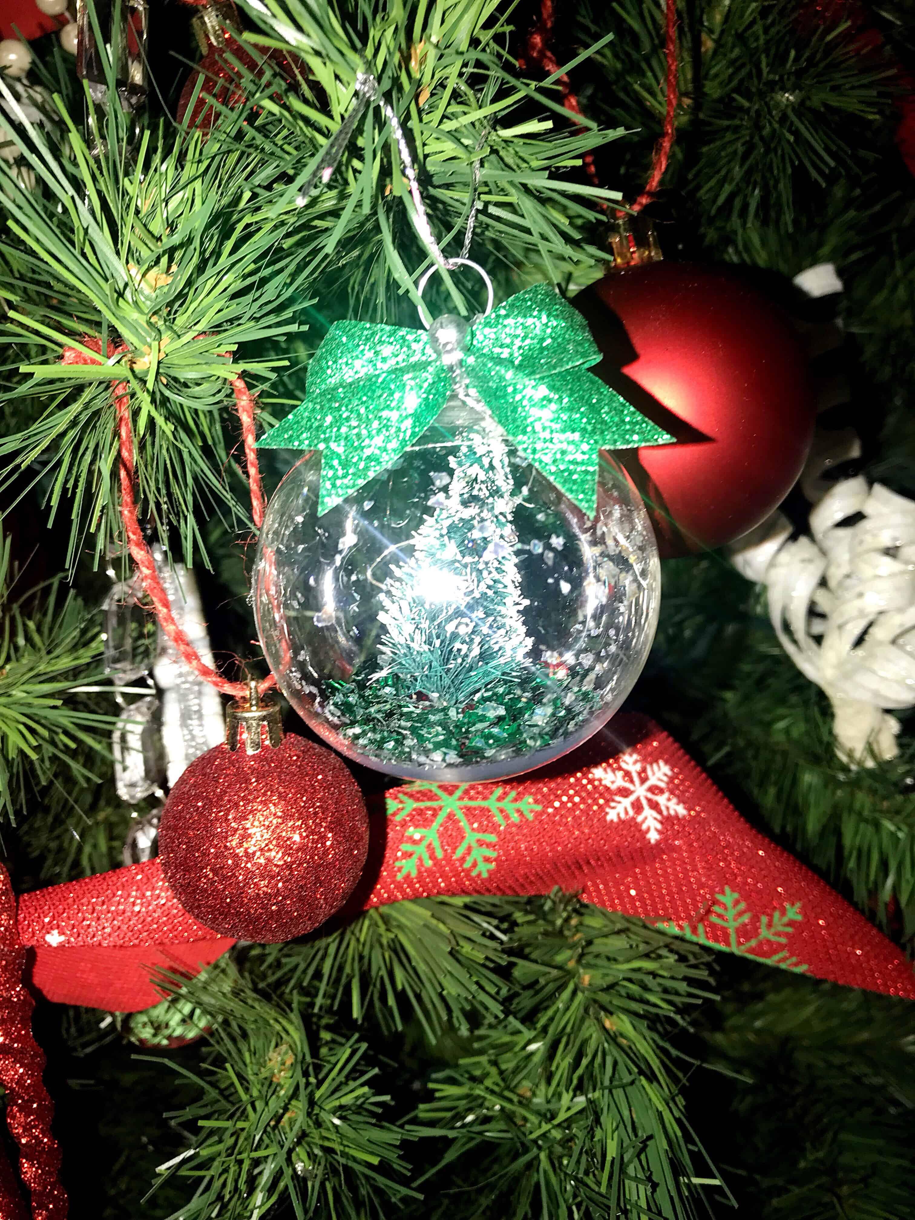 DIY Christmas Decor - DIY Christmas Crafts - Christmas Crafts for Kids - Easy Christmas Crafts - DIY Christmas Decorations - Christmas Projects - Christmas Kid Activities - Farmhouse Decor - Farmhouse Christmas Home Decor - DIY Christmas Ornaments - Easy Ornaments To Make